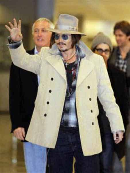 airport fashion - Johnny Depp
