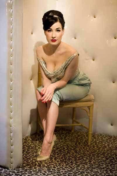 Dita Von Teese 1940 S Burlesque Fashion Icon Dancer