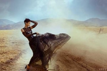 rihanna-wearing-leather-for-vogue-2012,-campaign