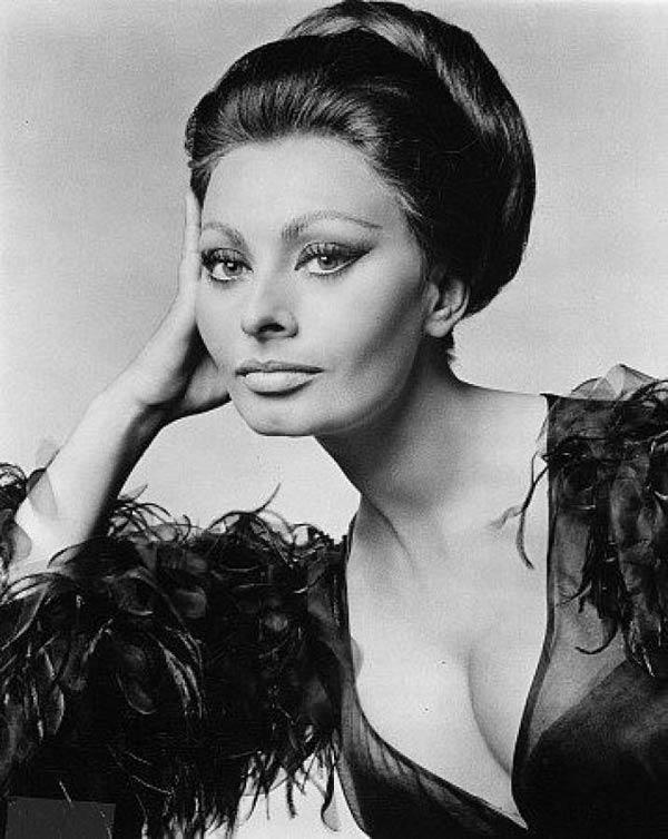 Sophia Loren - La Bella Fashionista (12)