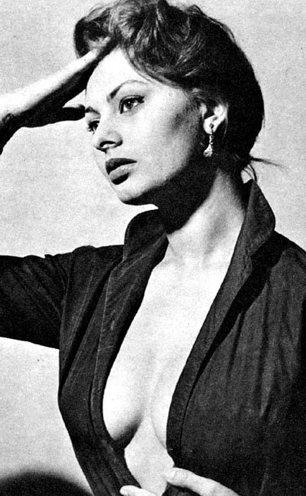 Sophia Loren - La Bella Fashionista (15)