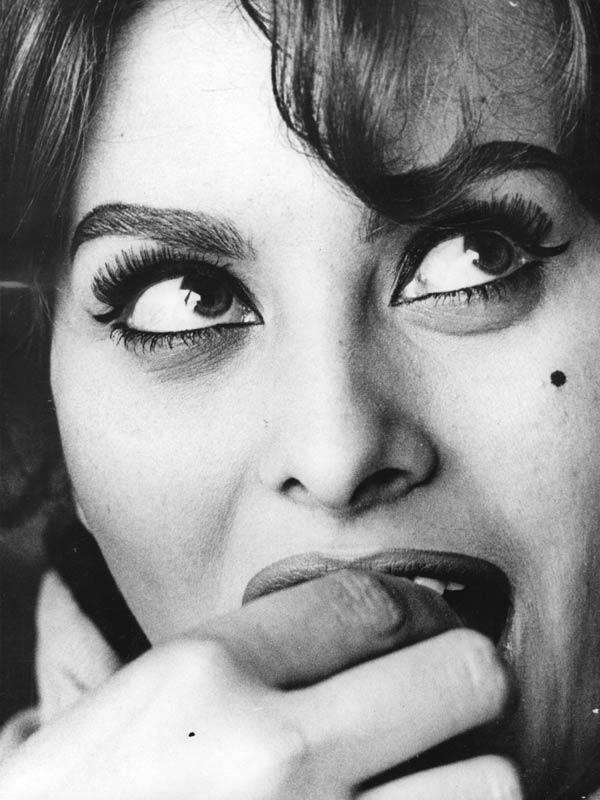 Sophia Loren - La Bella Fashionista (3)