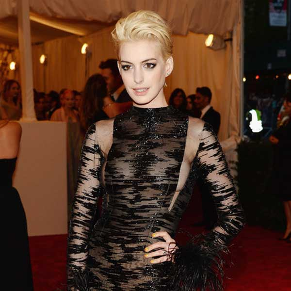 anne hathaway 2013 - met ball punk rock