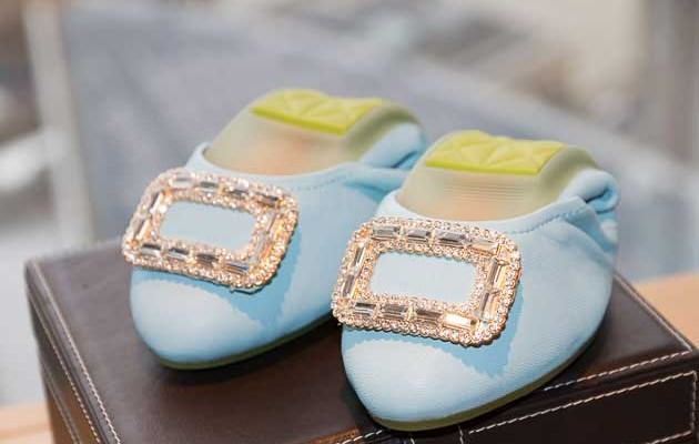 What Shoes To Wear When Driving A Bentley Gracie Opulanza