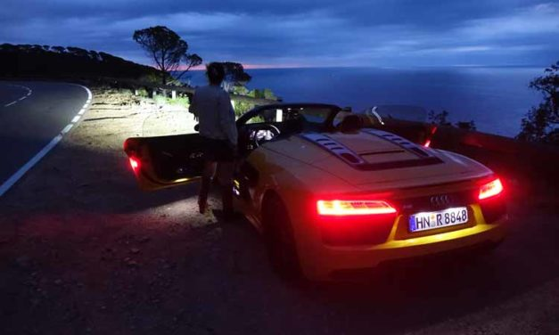 Audi R8 Spyder V10 Driven – Red By Day Yellow By Night