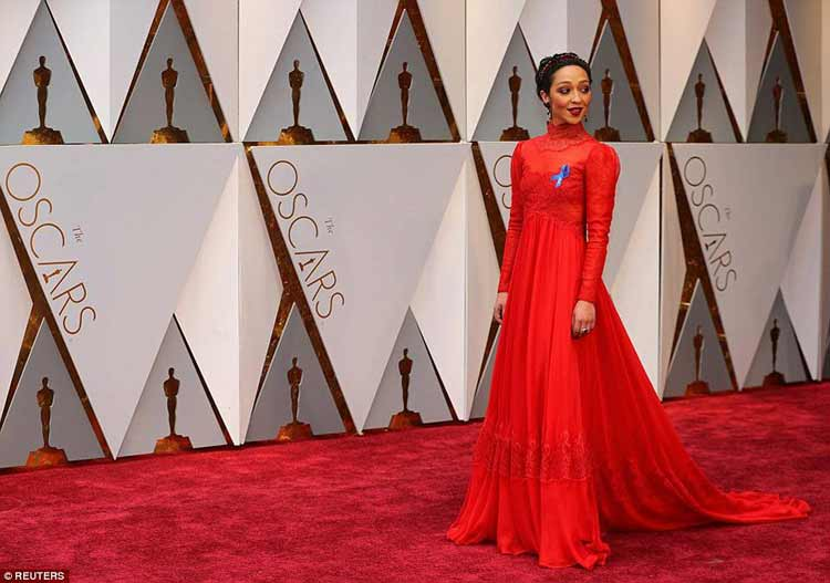 Red Oscars – Why Are Hollywood Women Wearing Red?